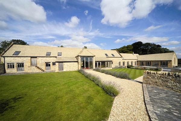 Luxury Cotswold Barn Conversion