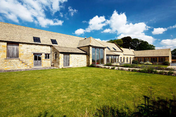 Luxury cotswold barn conversion for Luxury barn homes