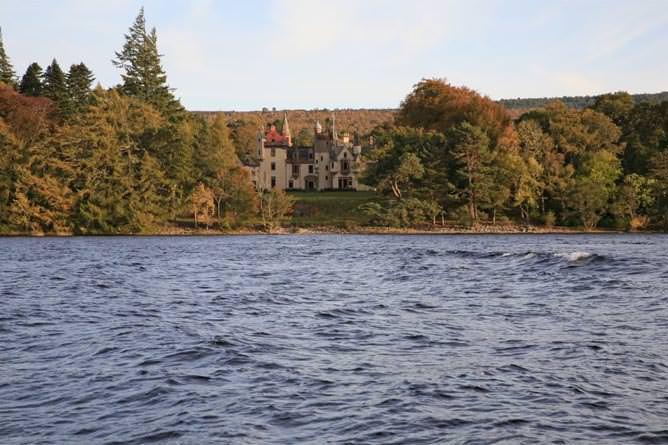 Aldourie Castle On the Loch